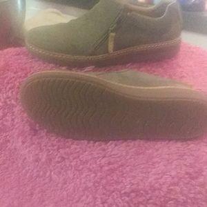 Clarks zip shoes.